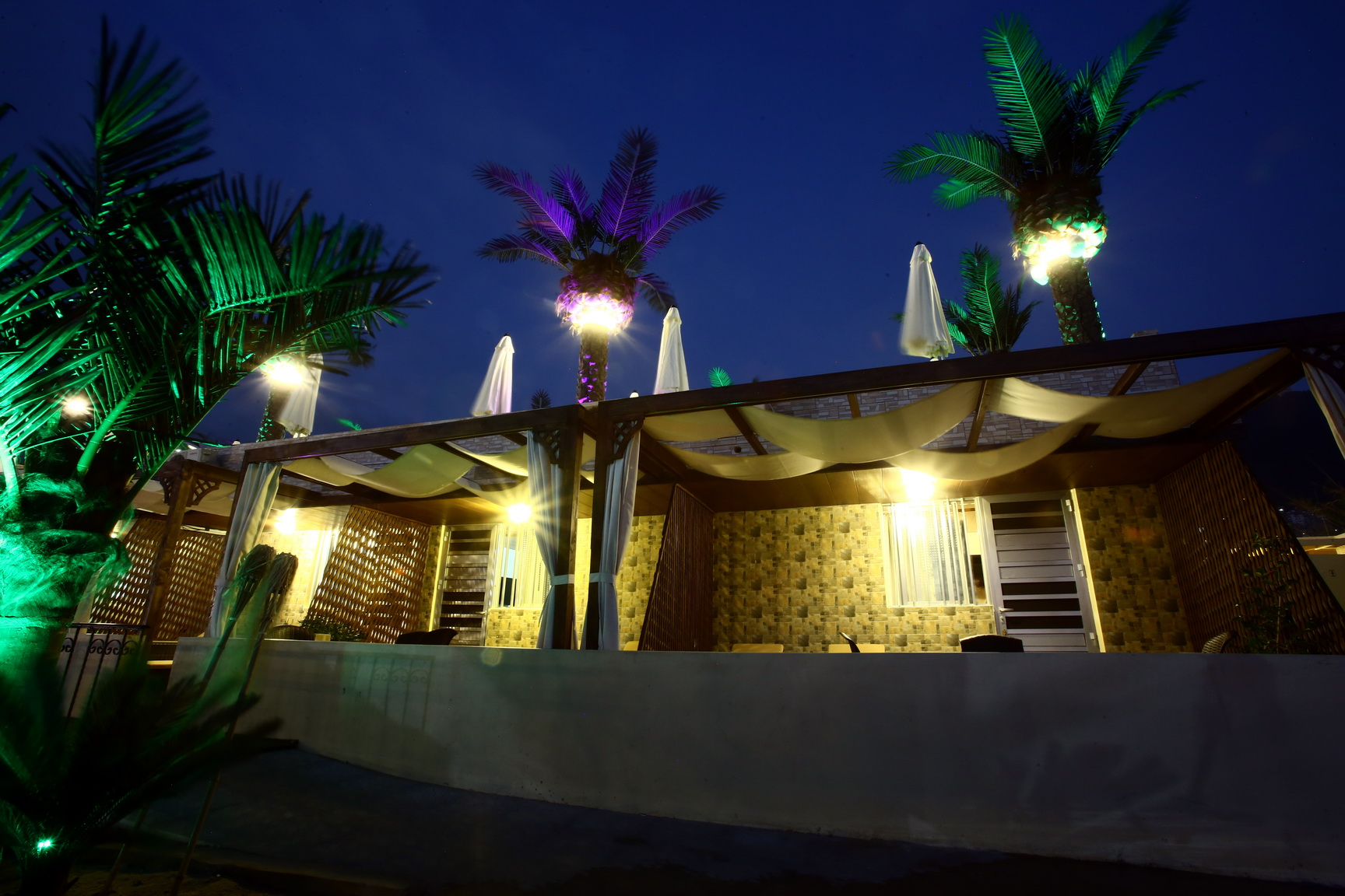 Bungalows Outside Area