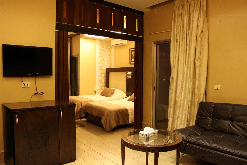 Luxury Suite with Twin Bed